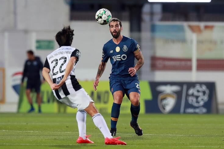 Sérgio Oliveira está a contas com um problema muscular