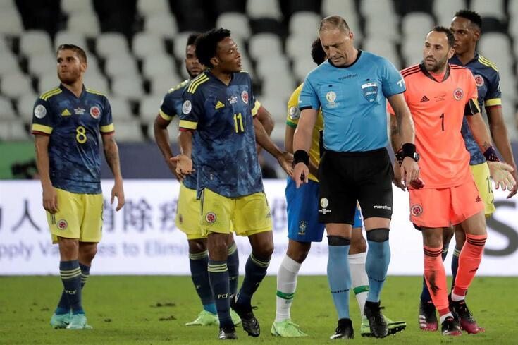 Nestor Pitana, árbitro do Brasil-Colômbia da madrugada desta quinta-feira