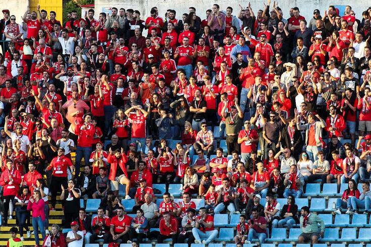 Estádio de São Miguel poderá receber cinco mil adeptos no Santa Clara-Benfica