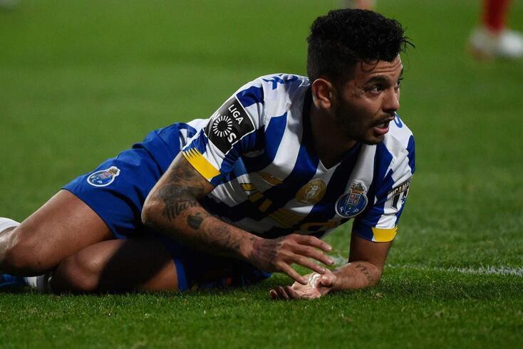 Corona, assim como Pepe, saíram lesionados do Gil Vicente-FC Porto