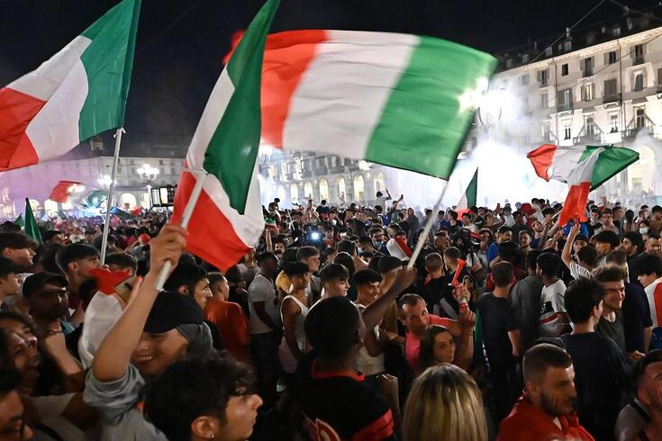 Adeptos italianos saíram à rua para celebrar a conquista do Europeu