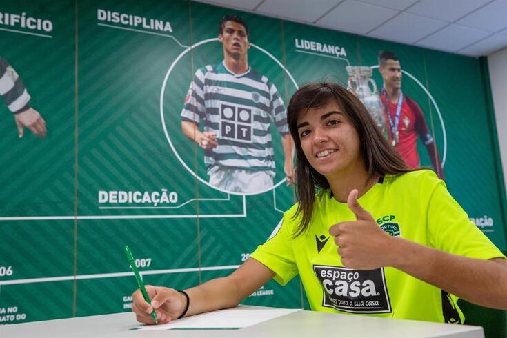 Sporting promove guarda-redes à equipa principal de futebol feminino