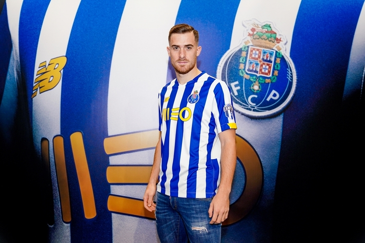 Toni Martínez com a camisola do FC Porto