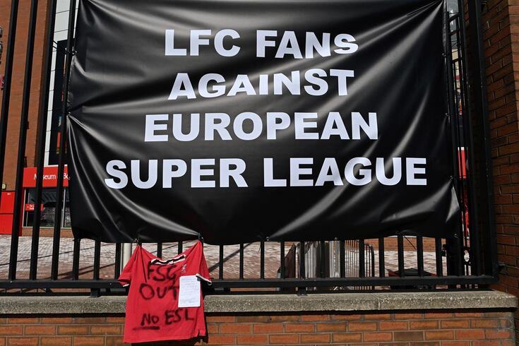 Adeptos do Liverpool protestaram em Anfield