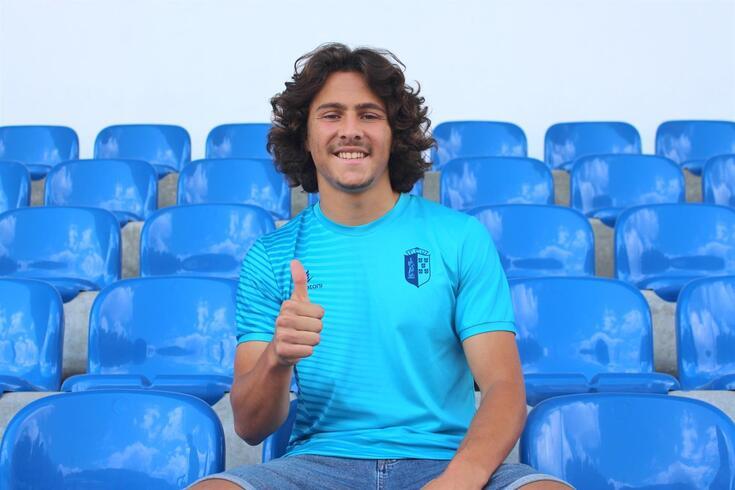 Hugo Oliveira ficará ligado ao Vizela até 2024
