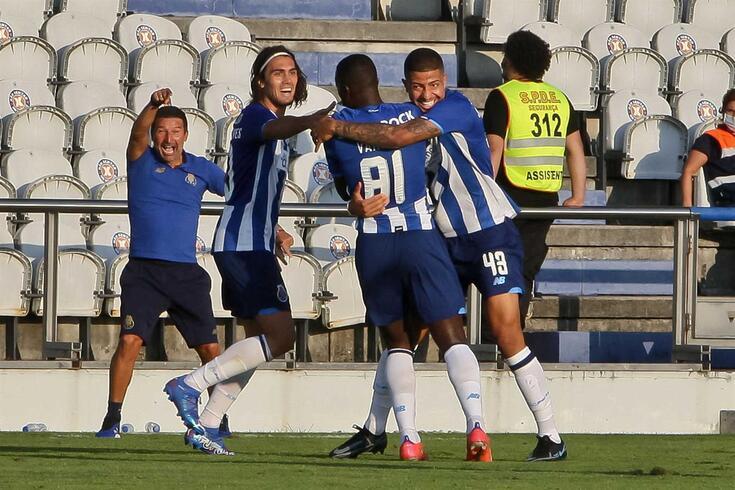 FC Porto B vai jogar sempre no Olival