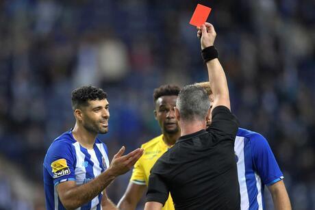 Taremi foi expulso no FC Porto-Paços de Ferreira