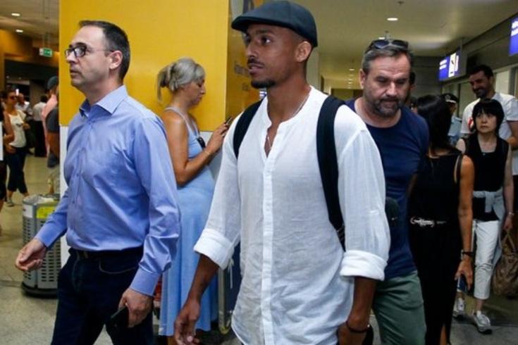 Sporting com mais uma saída resolvida: Bruno Gaspar já aterrou na Grécia