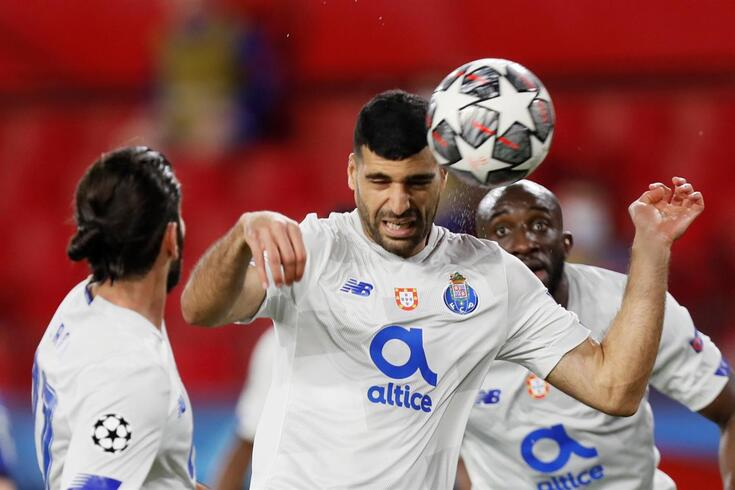 epa09133744 Porto's striker Mehdi Taremi in action during the UEFA Champions League quarterfinal, second