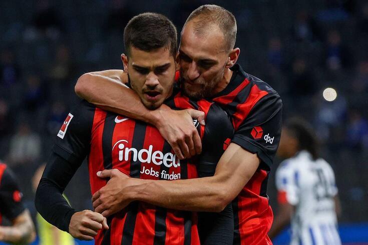 André Silva e Bas Dost ajudaram ao triunfo do Eintracht