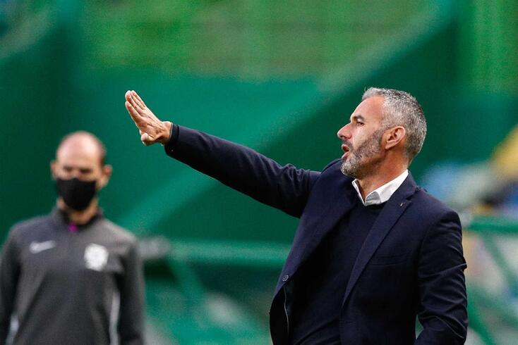 Famalicao head coach Ivo Vieira reacts during the Portuguese First League soccer match against Sporting