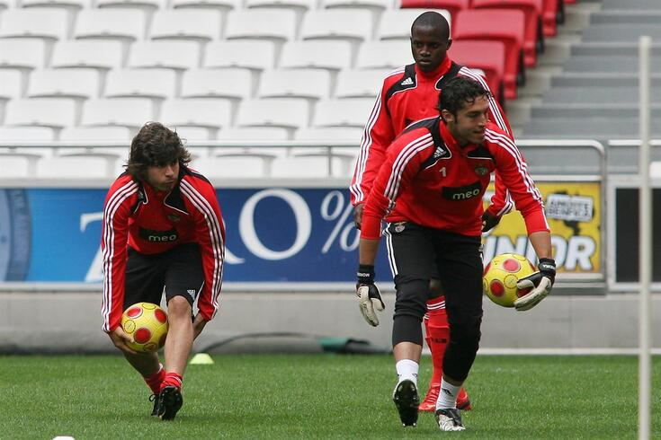 Pedro Eugénio, à esquerda, num treino do Benfica