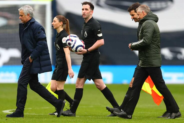 "Mourinho e Solskjaer trocaram ""galhardetes"" após o Tottenham-Manchester United"