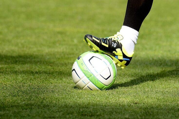 Jogador da Premier League assume homossexualidade em carta aberta