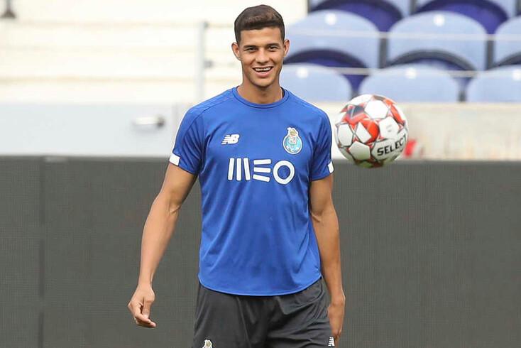 Osório, central venezuelano do FC Porto
