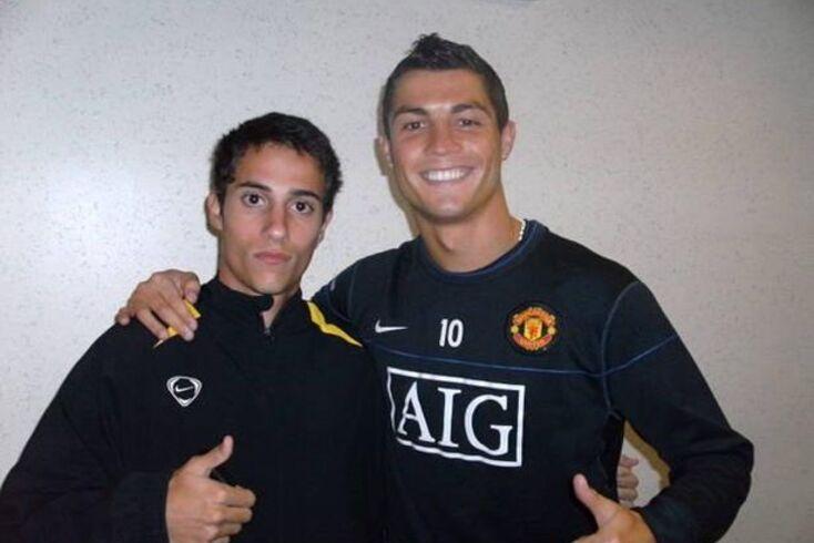 Rafael Leão ao lado de Cristiano Ronaldo em 2008