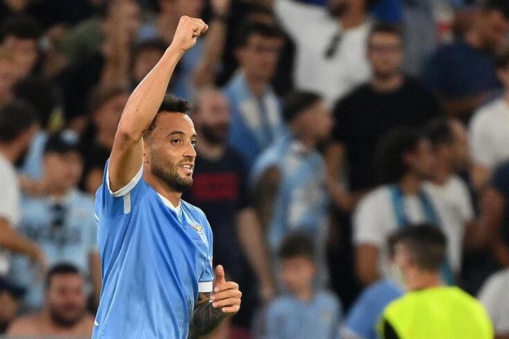 Felipe Anderson (ex-FC Porto) marcou o terceiro golo da Lázio frente à rival Roma