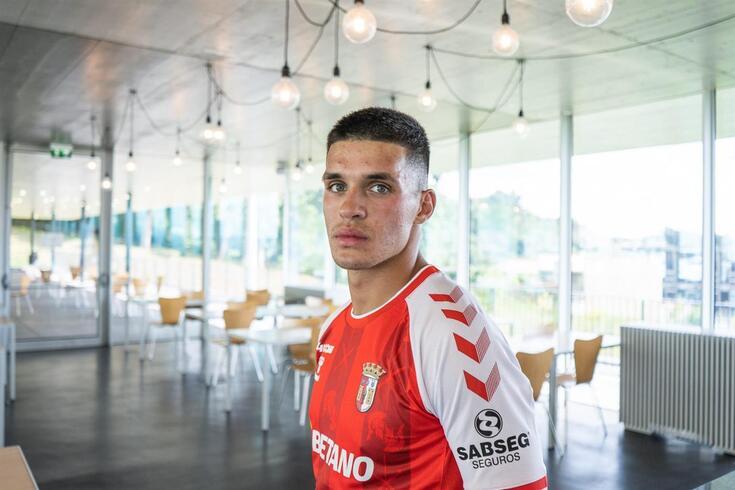 Dinis Pinto assinou por duas épocas