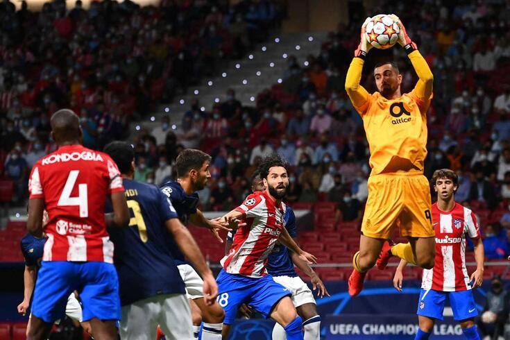 Diogo Costa voltou a estar em bom plano na baliza do FC Porto