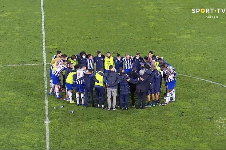 Roda do FC Porto após o jogo com o Marítimo