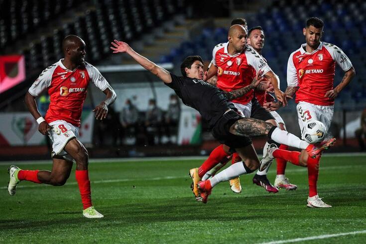 Clube inglês ofereceu 30 milhões por Darwin, mas Benfica não ficou convencido