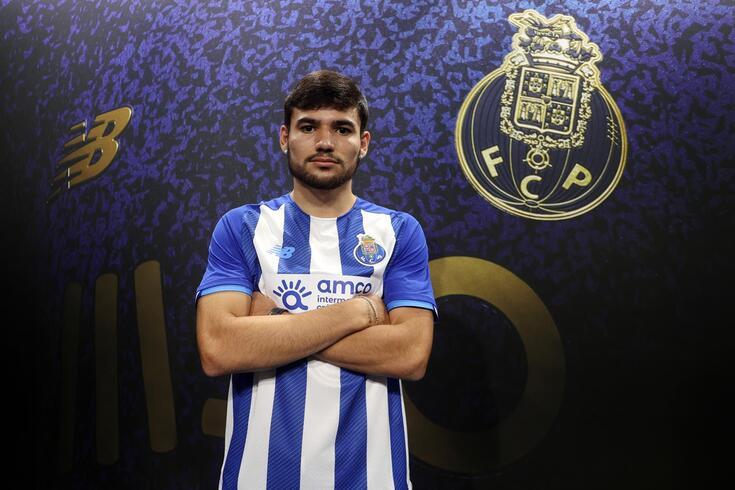 Caíque é reforço do FC Porto B