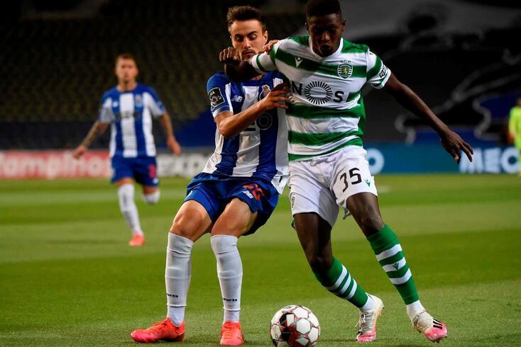 Nuno Mendes em ação no FC Porto-Sporting