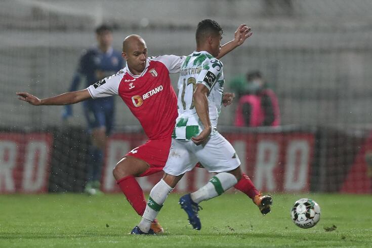 Matheus Silva de saída do Moreirense