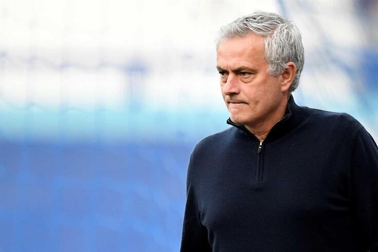 José Mourinho vai orientar a Roma a partir de 2021/22