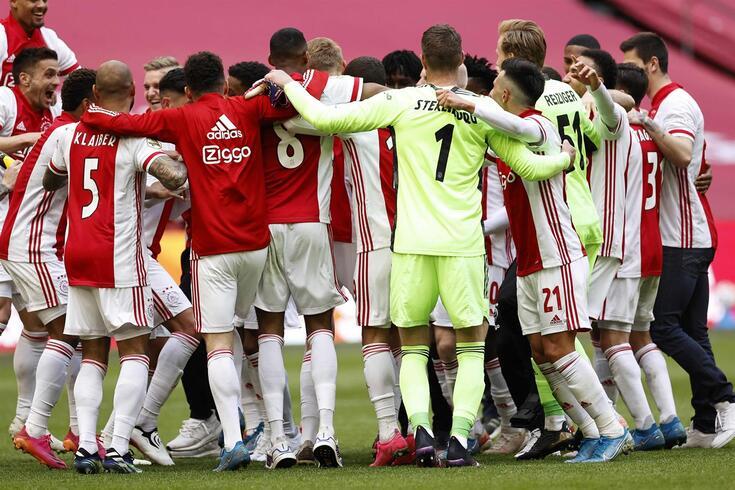 Ajax sagrou-se mais uma vez campeão holandês