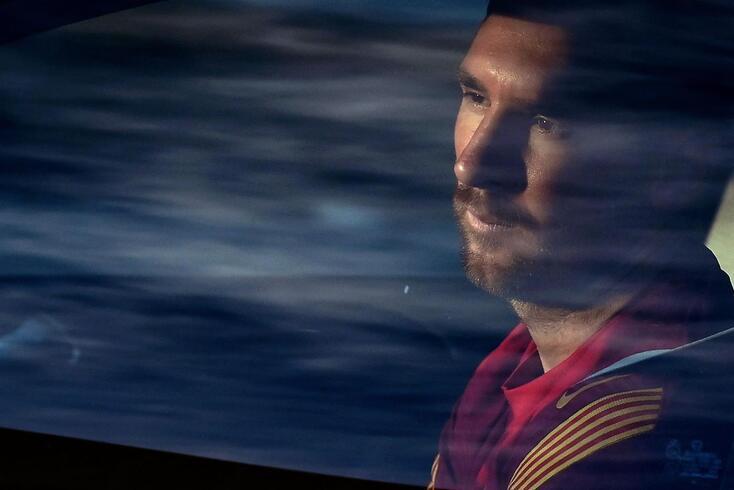 Messi abandona o Barcelona