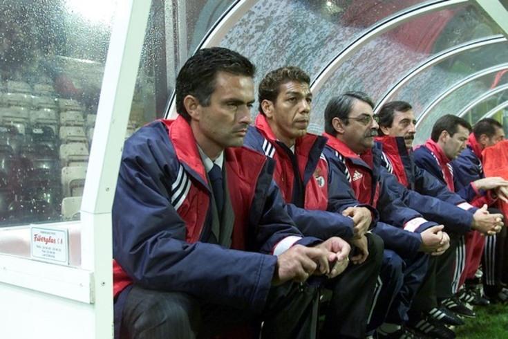 Mourinho, aqui treinador principal do Benfica, com o adjunto Mozer