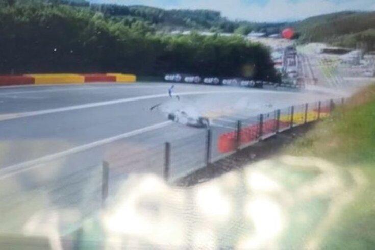 Violento acidente nas 24 Horas de Spa-Francorchamps. Dois pilotos hospitalizados
