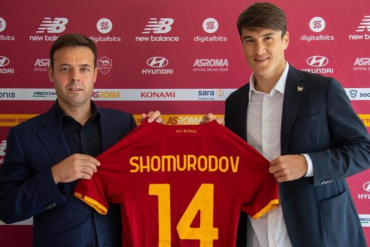 Shomurodov com Tiago Pinto