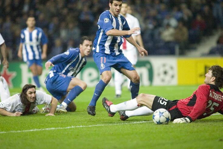 FC Porto empatou na receção ao Rangers em 2005. Lisandro marcou pelos dragões