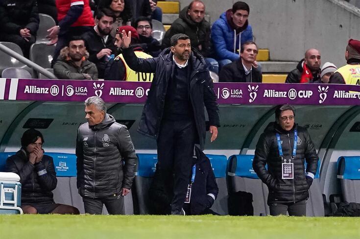 """""""Espero que não caia o Carmo e a Trindade para o Benfica, porque sou do Porto"""""""