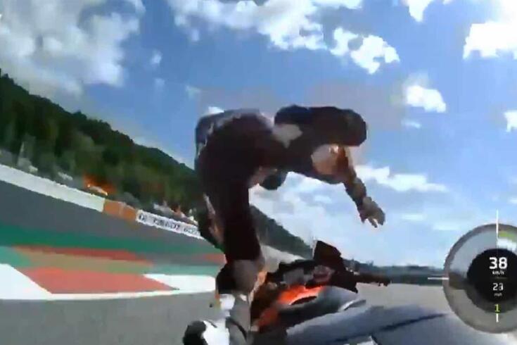 Queda aparatosa de Miguel Oliveira nos treinos livres do GP Estíria