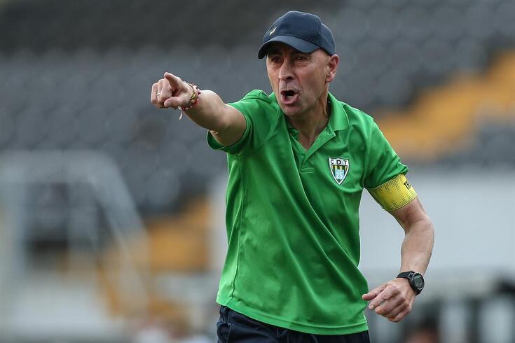 Depois de dois empates, Pako Ayestarán ganhou pela primeira vez como visitante, em Guimarães