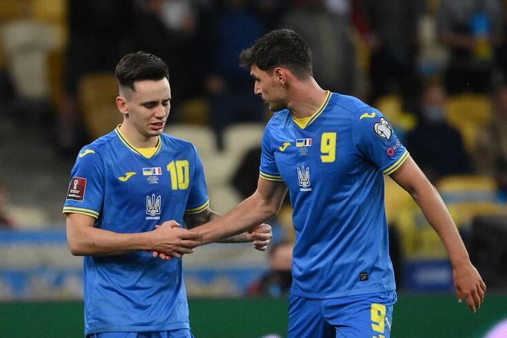Shaparenko, à esquerda, é uma das referências do Dínamo e da seleção da Ucrânia, onde joga Yaremchuk
