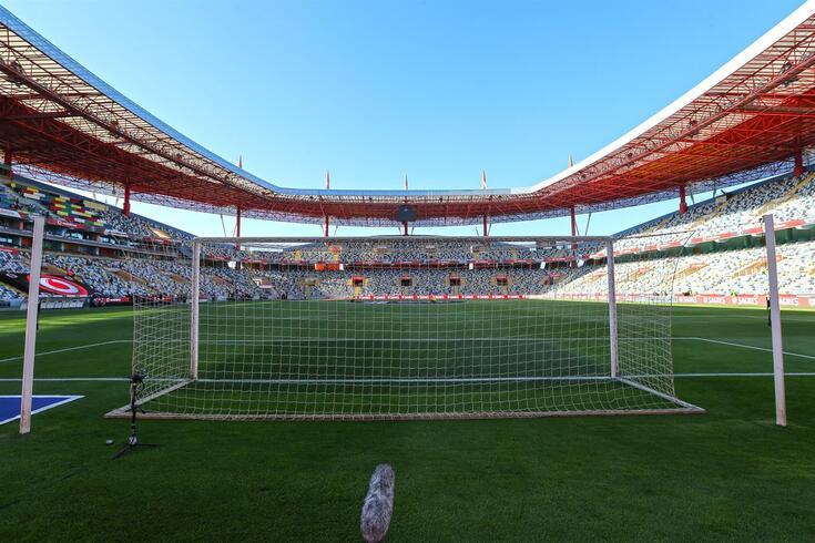 Estádio Municipal de Aveiro será a casa emprestada do Académico de Viseu