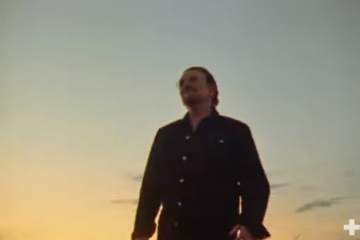Europeu: Martin Garrix juntou-se a Bono e The Edge para fazer hino  e este é o resultado