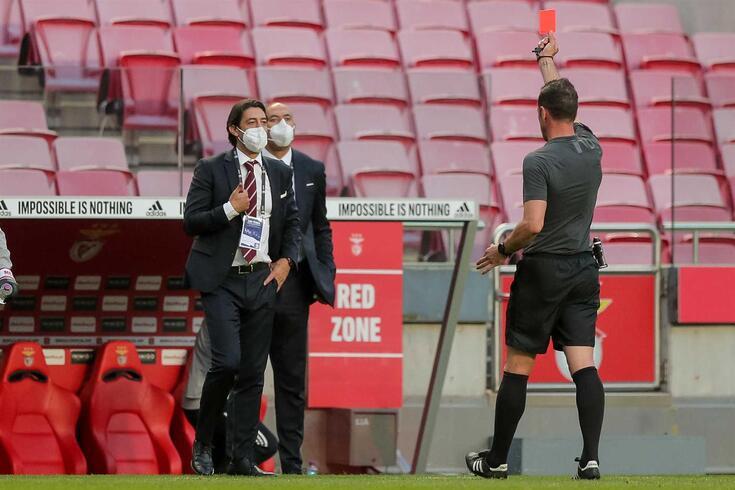 Rui Costa foi expulso durante o Benfica-FC Porto