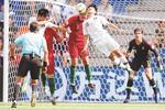 Diogo Queirós, central português, em ação no jogo com a Coreia do Sul (Mundial sub-20)