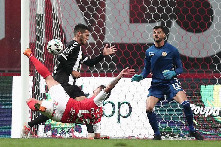 Braga vence Nacional com dois golaços