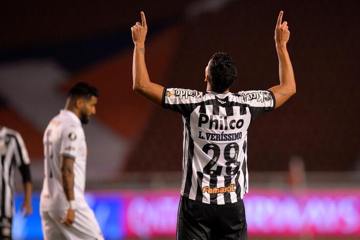 Lucas Veríssimo é alvo do Benfica para janeiro