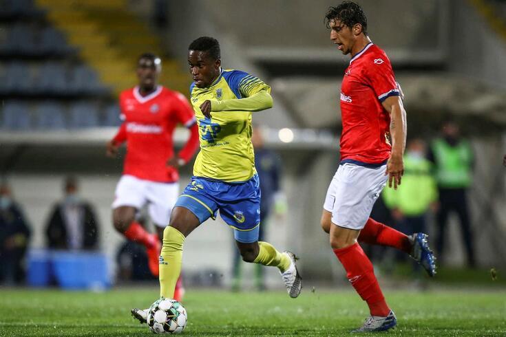 O Arouca venceu esta noite a União Desportiva Oliveirense no Estádio Municipal de Arouca