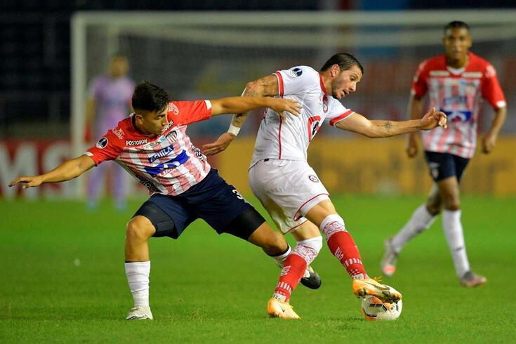 Fabián Ángel é médio e joga no Junior de Barranquilla