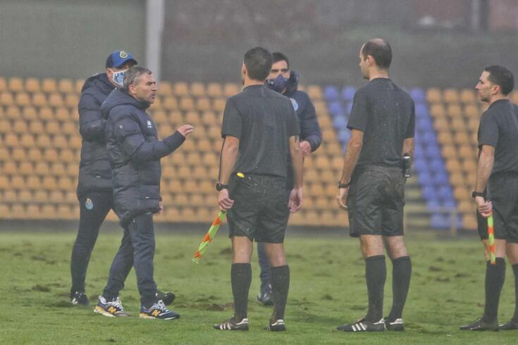 FC Porto B contestou a arbitragem do jogo com o Benfica B, na II Liga