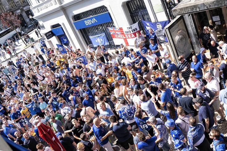 Adeptos do Chelsea saíram do Porto satisfeitos com a conquista da Champions