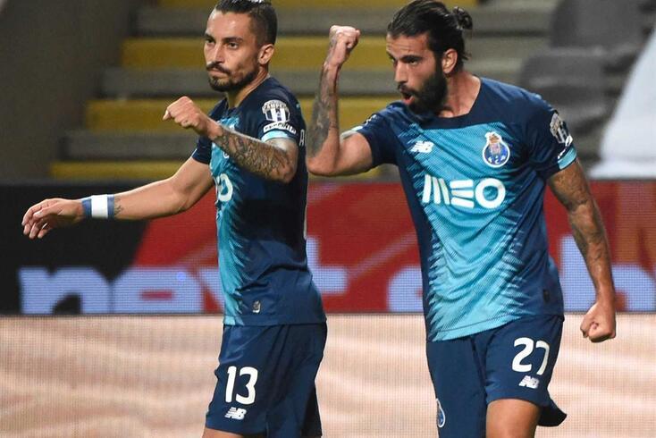 Alex Telles e Sérgio Oliveira são dois dos jogadores que terminam contrato em junho de 2021